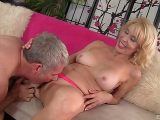 Wonderful sex experience on the couch for Erica Lauren