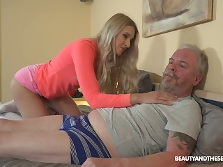 Ardent Hungarian chick Diane Chrystall is so come into possession of sucking old cock in 69