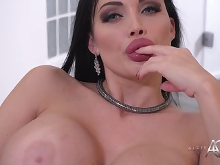 Goddess Aletta Ocean Solitary Session At Home