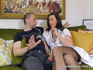 Luring glamour lady Lara in stockings having sex on the floor