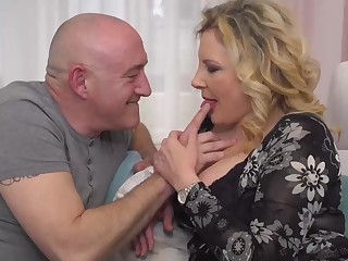 Italian housewife, Valentina is cheating vulnerable their way scrimp with his boss, every today