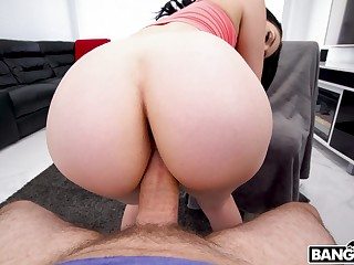 Hot pamper with lovely bum Natana Brooke is ergo happy to tool along sloppy cock