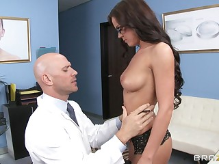 Gentle fucking with debatable Rahyndee James in stockings