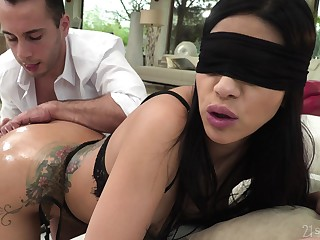 Blind folded woman feels evenly in be transferred to ass, and she loves evenly