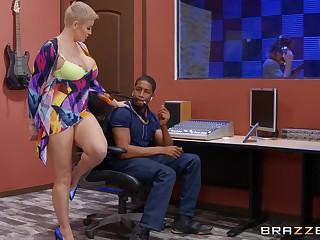 Mature with huge tits, guestimated BBC pussy action at the garden apartment