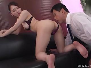 Hot ass Japanese woman Kase Kanako enjoys having sex on the dumfound