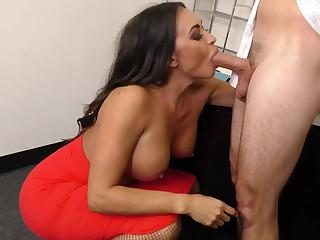 Leggy MILF Big gun Claudia Valentine fucks employee
