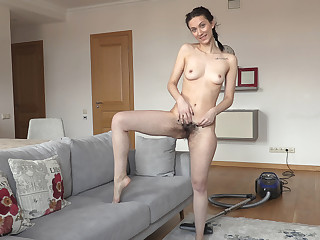 Shirley Mo strips undisguised after her vacuuming command - WeAreHairy