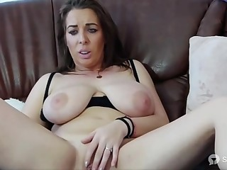Cam Model With Chubby Titties Is Masturbating