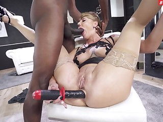 Provocative pornstar Elen Covey gets her ass fucked apart from a BBC