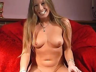 Video of cute Faye Rampton pleasuring say no to cravings round a dildo
