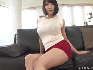 Japanese beauty strips be fitting of cock in home POV